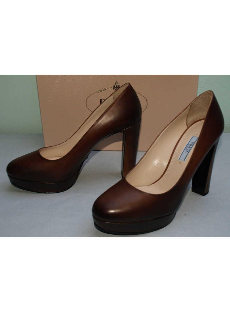 Salvatore Ferragamo Brown Leather Shoes Size  D Ta